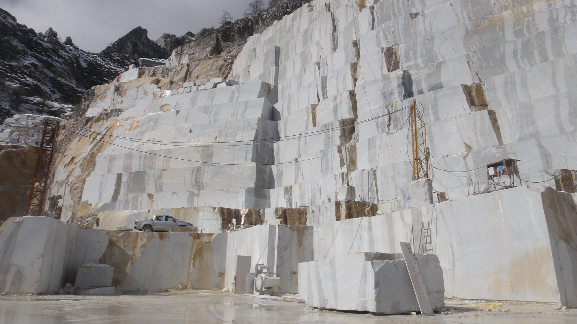 Pictures of the rock marble Stone Sculptures, carving marble, limestone, soapstone, alabaster